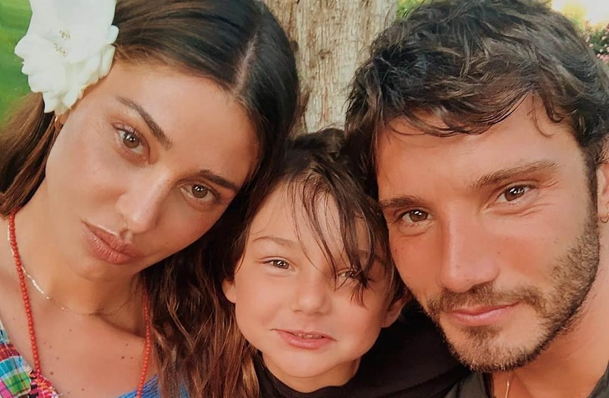 Belen con Stefano De Martino e Santiago