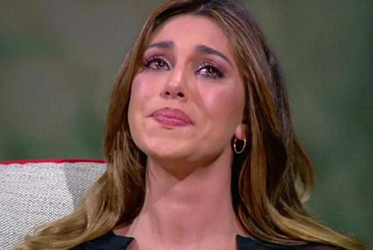 Belen Rodriguez piange