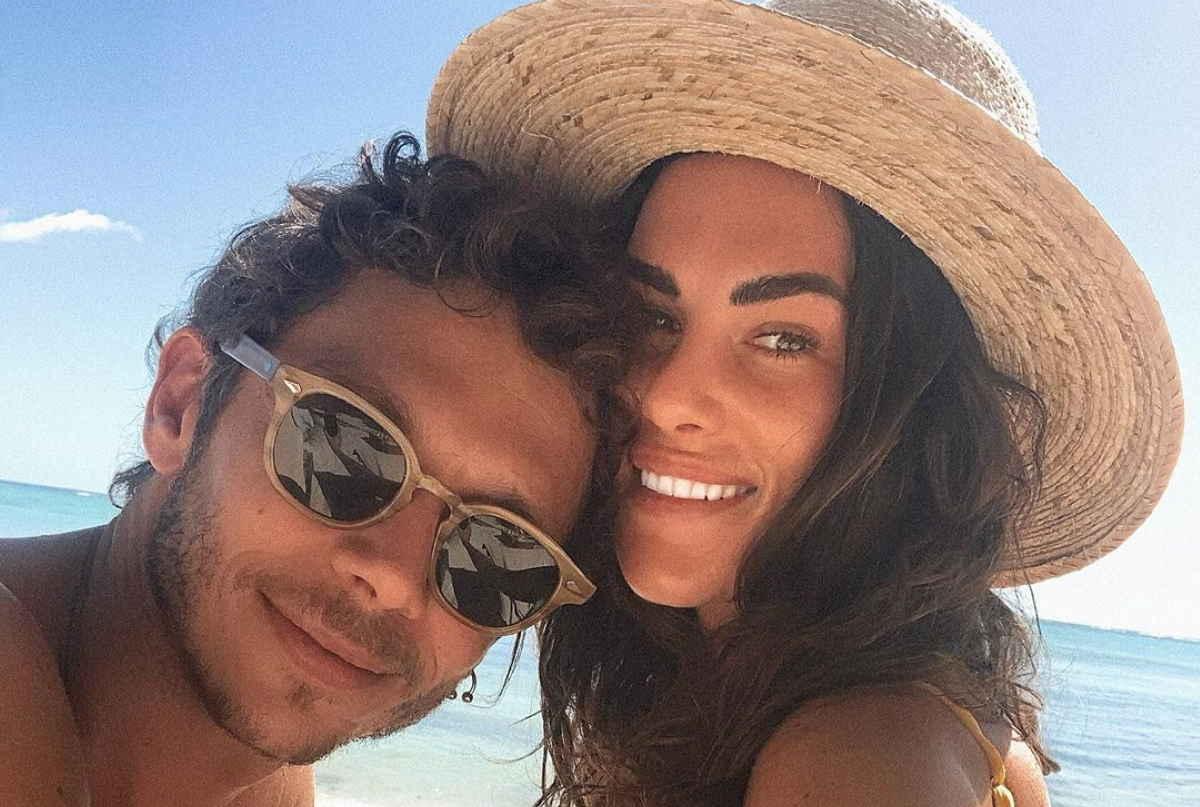 Francesca Sofia Novello, fidanzata di Valentino Rossi, è incinta: quando partorisce? Le foto più belle