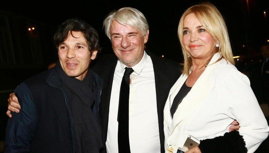 Francesco Venditti con la mamma Simona Izzo e Ricky Tognazzi