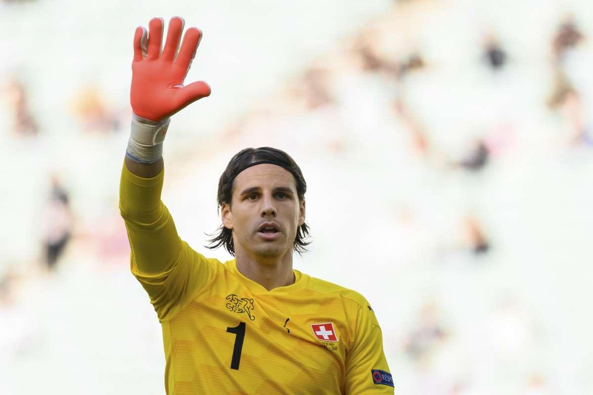 Europei 2021, Italia Svizzera: chi è il portiere Yann Sommer? Età, moglie, fidanzata, Roma, stipendio, Instagram