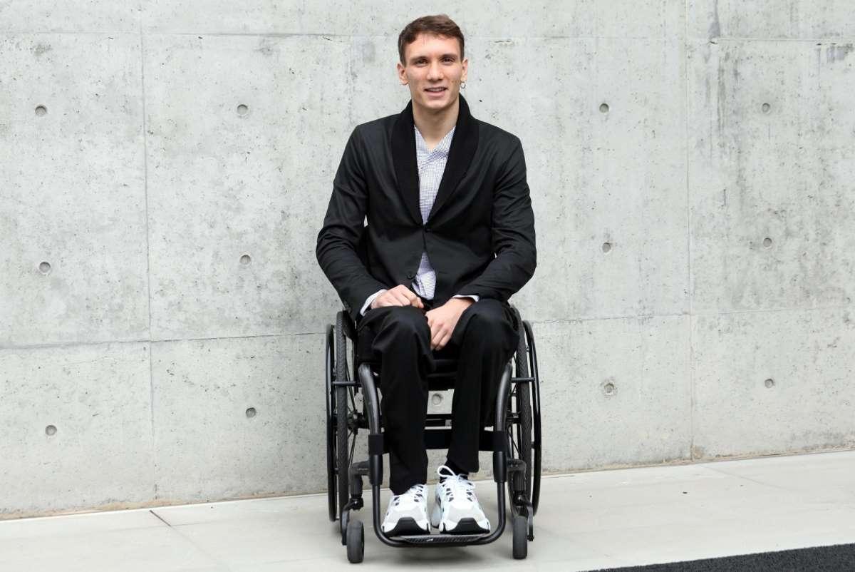 manuel bortuzzo giovane nuotatore sedie a rotelle oggi chi è