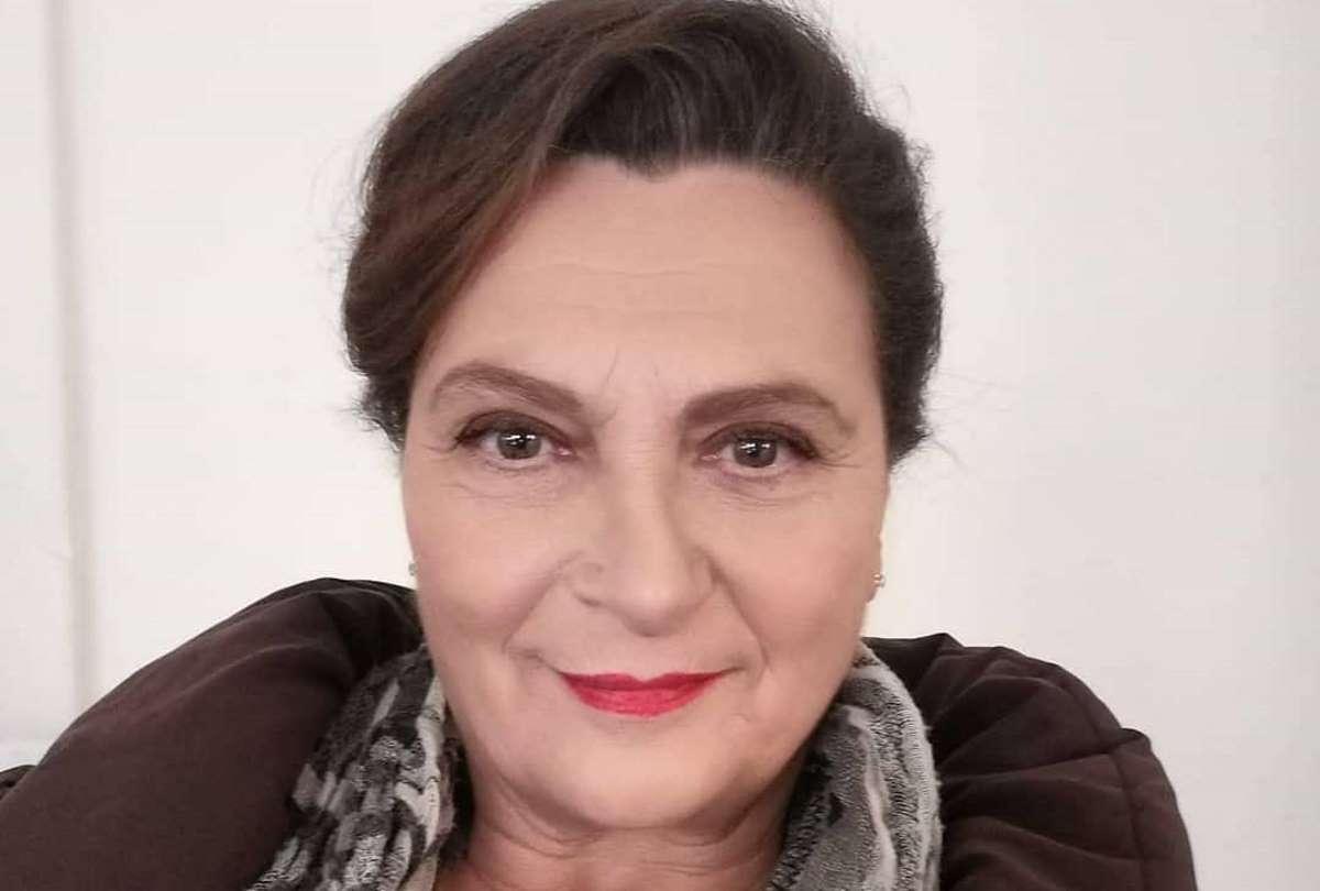 Imma Tataranni, chi è Dora Romano che fa la suocera? Età e dove è nata, vita privata, film, Instagram