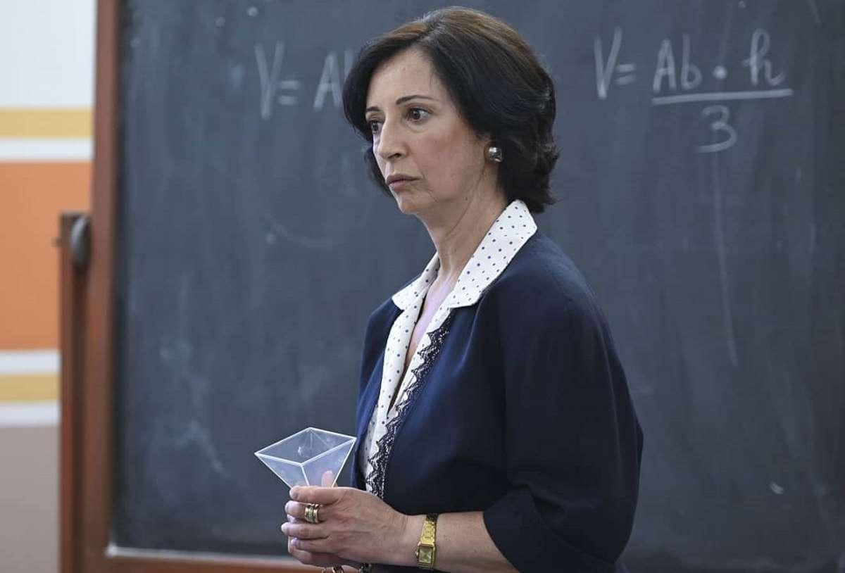 Il Collegio, chi è Maria Rosa Petolicchio, professoressa di matematica? Età, marito, figli, segno zodiacale, Facebook e Instagram
